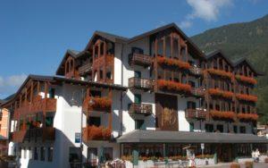Hotel Isolabella - facciata esterna