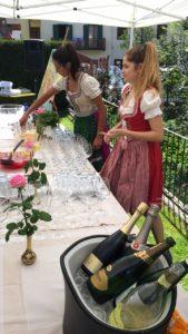 Hotel Isolabella Wellness Art&Music - aperitivo in giardino - estate