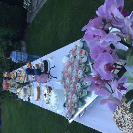 Hotel Isolabella - buffet di dolci in giardino