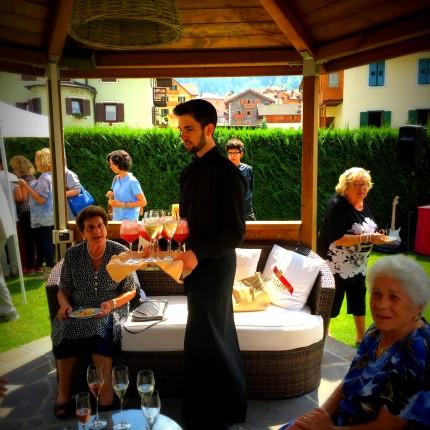 Aperitivo in giardino - Hotel Isolabella