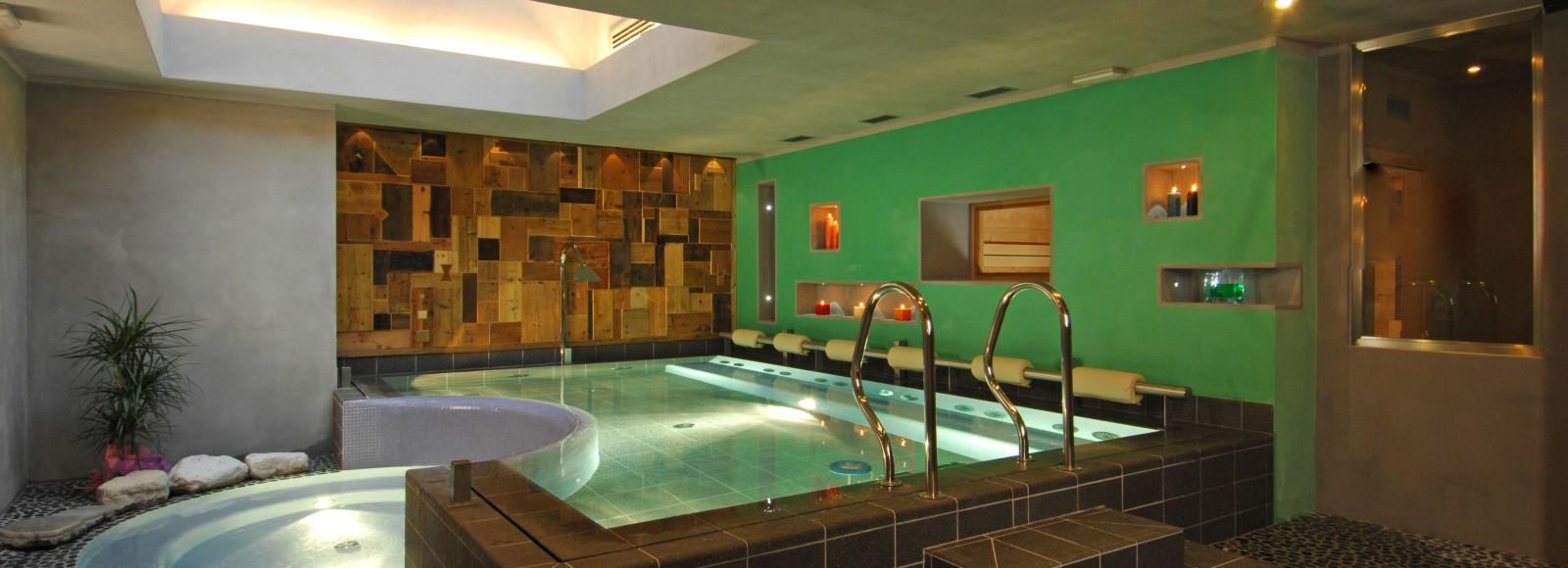 Hotel Isolabella - Isolawellness - piscina idromassaggio